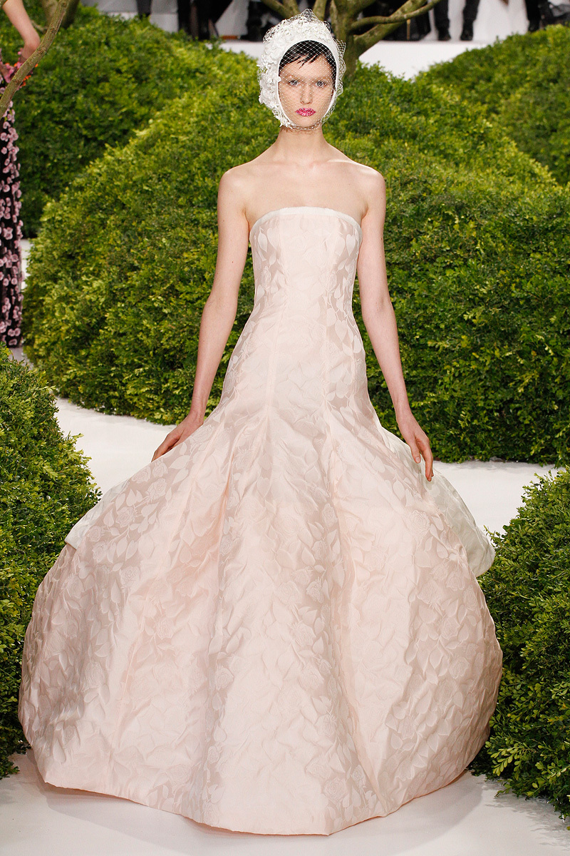 Christian-dior-couture-spring-2013-43_123900207861.full