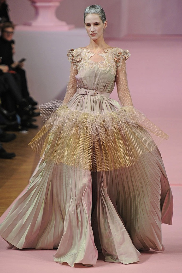 Irridescent-wedding-dress-trends-spring-13-couture.full