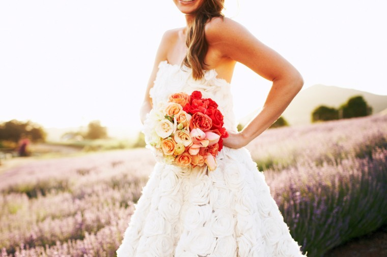 Coral-peach-ombre-wedding-bouquet.full
