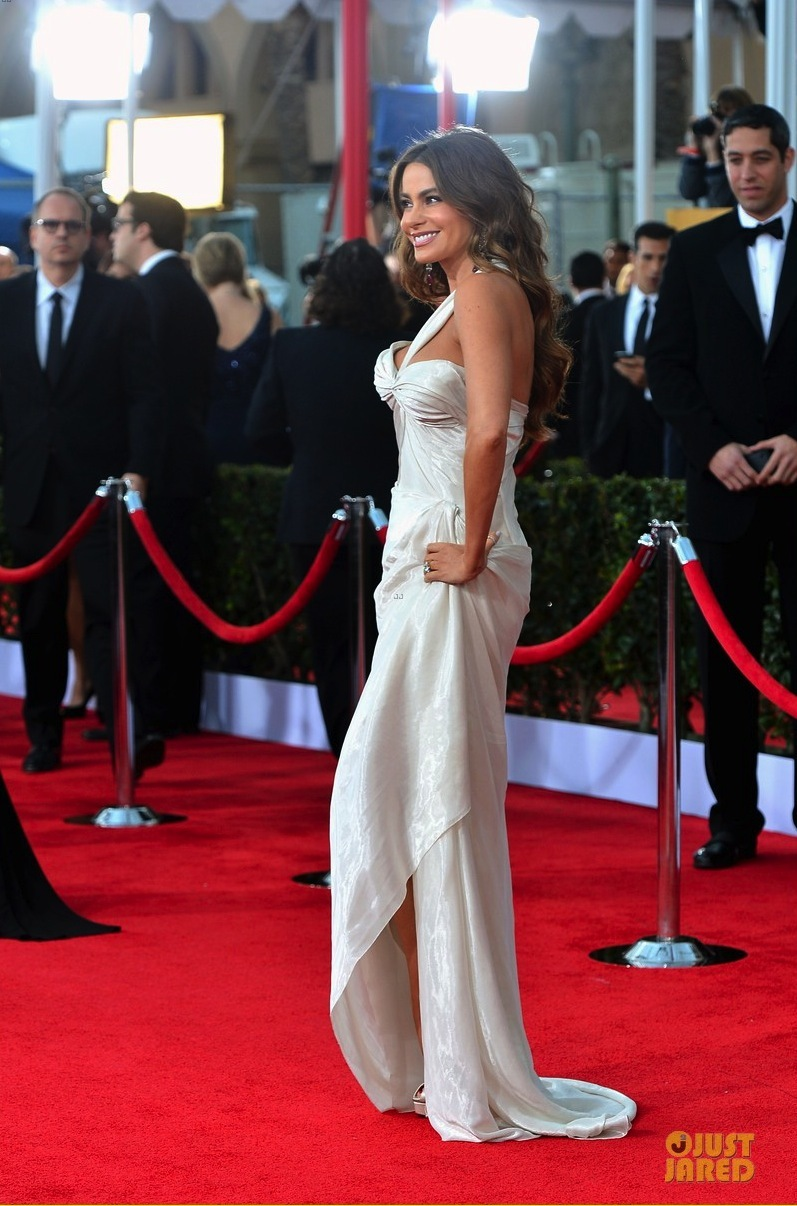 Wedding-style-inspiration-from-sag_awards-2013.full