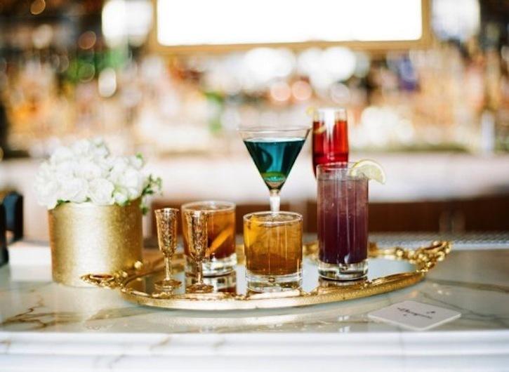 Wedding-cocktails-set-up-elegantly.full