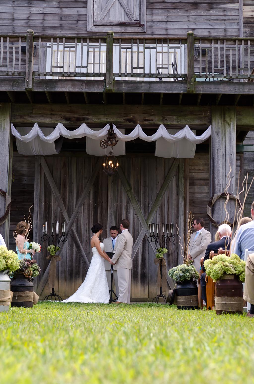 Atlanta_wedding_photographer_the_walters_barn_lula_georgia_tyler_brittany-3.full