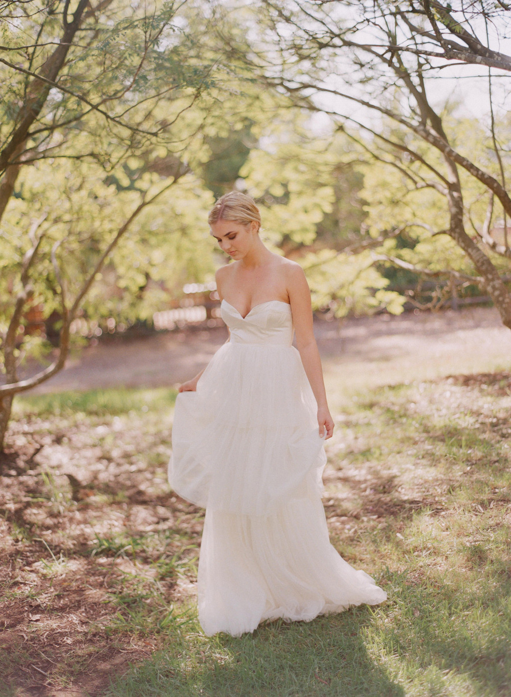 2013-wedding-dress-with-deep-sweetheart-neckline.full