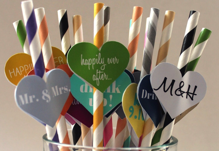 Customized-straws-for-the-wedding-reception-colorful-with-hearts.full