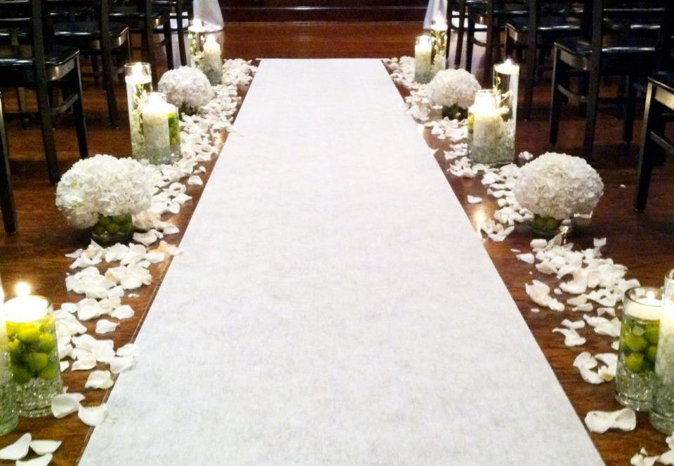 Unique-wedding-ceremony-aisles-white-green-elegant.full