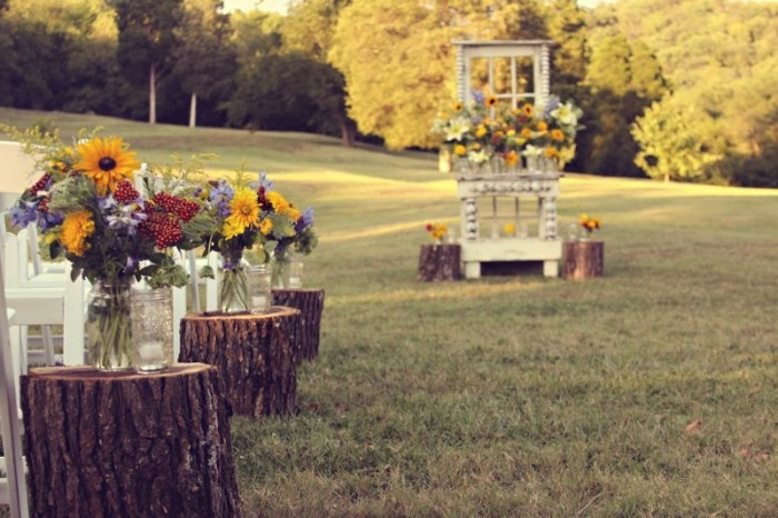 Rustic Outdoor Wedding Ceremony Wood Stump Aisle Runners