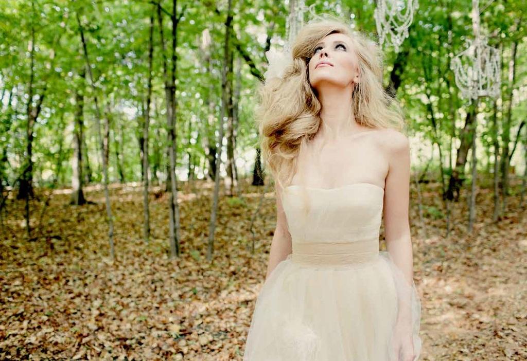 Fall-2013-wedding-dress-by-tara-latour-12.full