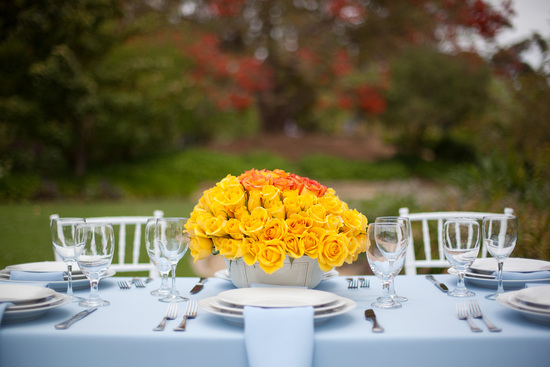 outsidespringweddingtabledecor