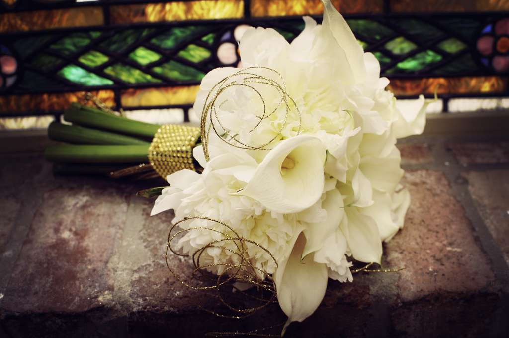 Classic-ivory-bridal-bouquet-with-vintage-gold-accents.full