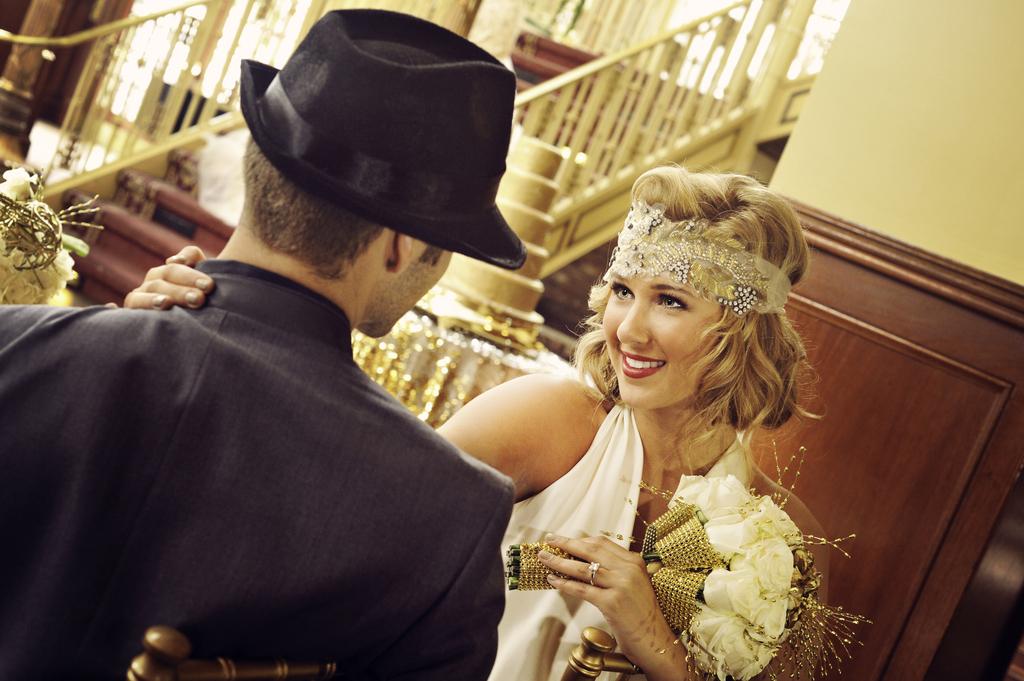 Great-gatsby-wedding-theme-bride-and-groom.full