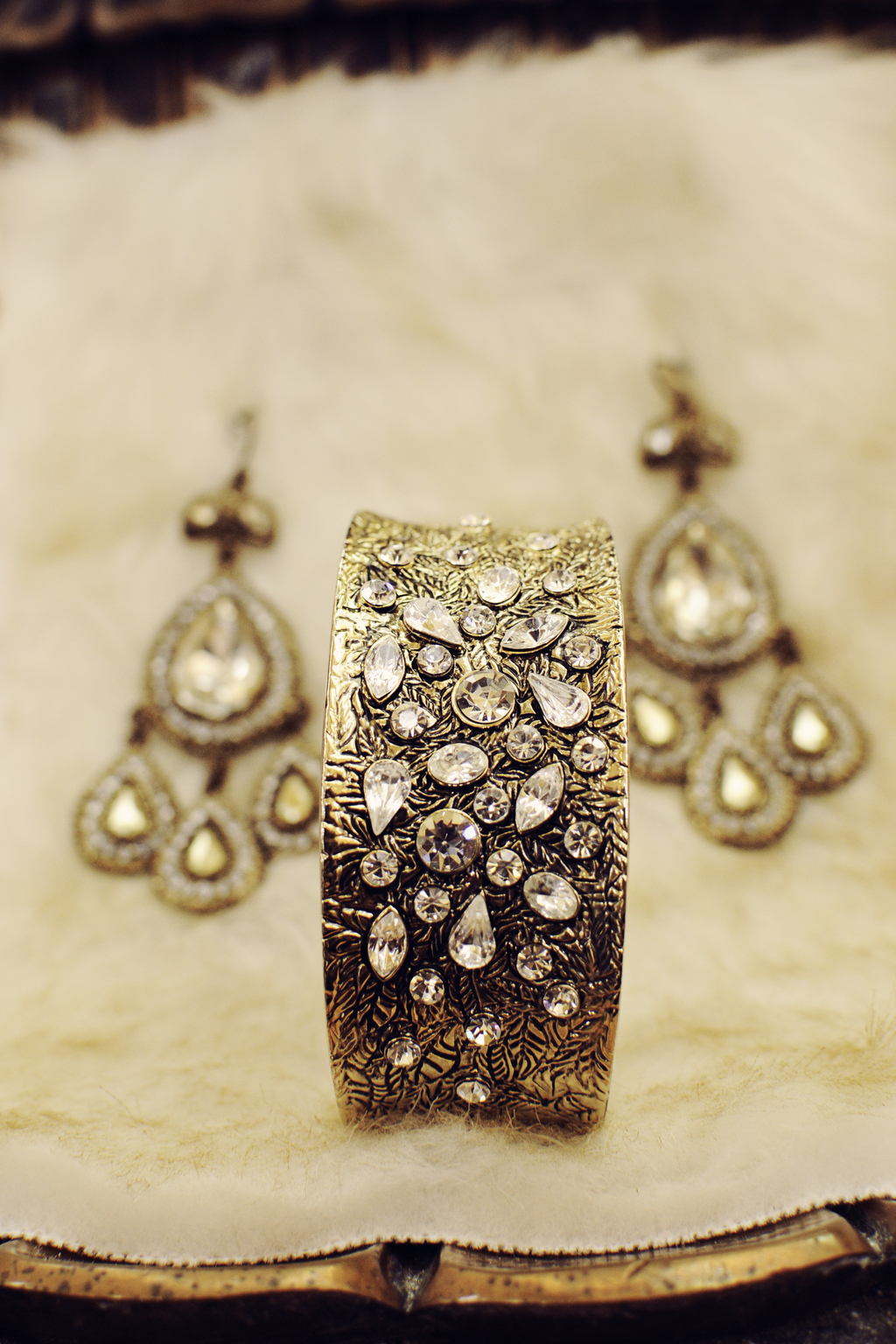 Great-gatsby-wedding-style-vintage-bridal-jewelry.full