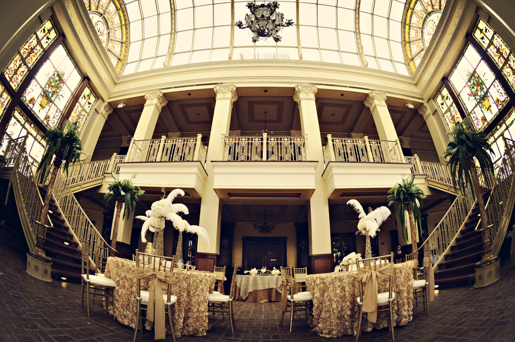 Exquisite-wedding-venue-for-great-gatsby-themed-reception.full
