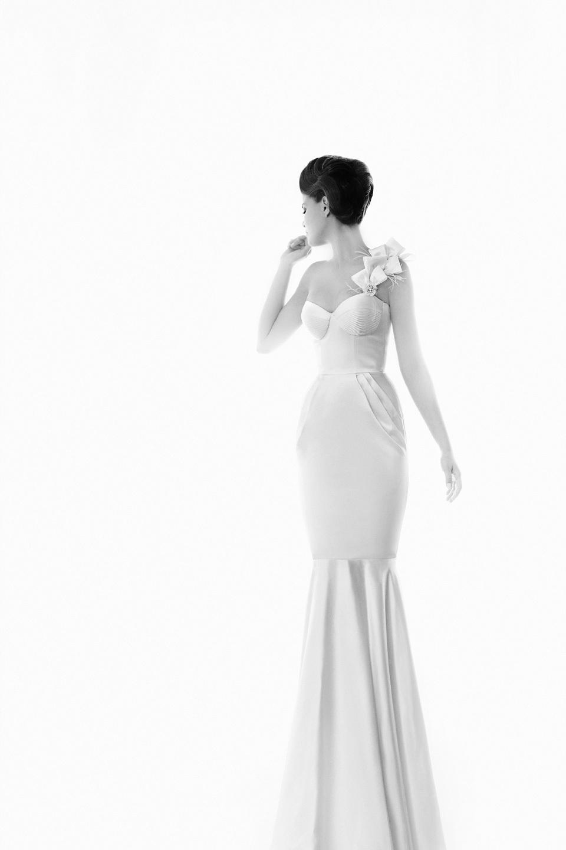 Berta-fashion-wedding-dress-one-shoulder.full
