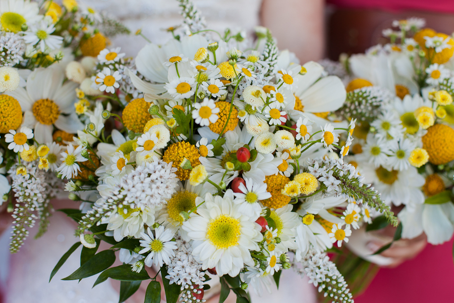 Unique-bridal-bouquet-yellow-white-green.full