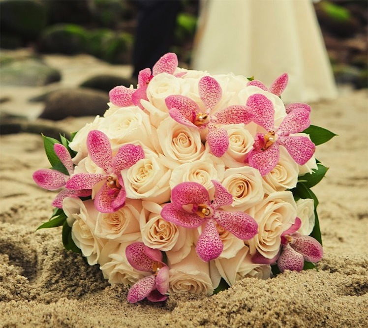 Wedding Bouquets Roses And Orchids : Rose and mokara orchid bridal bouquet onewed