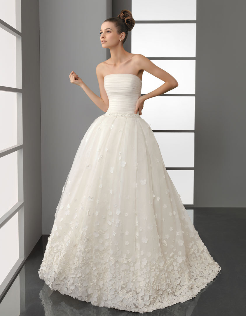 Rosa-clara-wedding-dress-1950s-inspired.full
