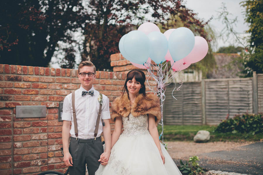 Casual-bride-and-groom-with-1950s-vintage-style.full