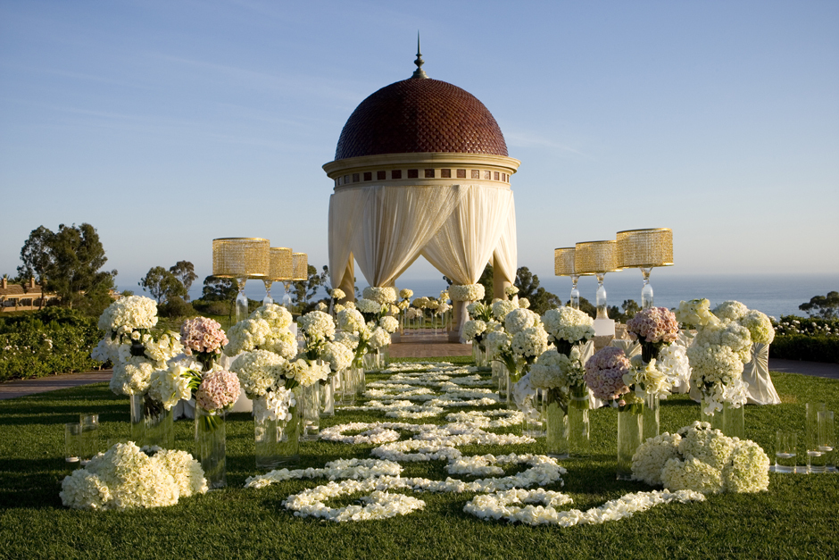 California wedding venues pelican hill outdoor ceremony for Places to get married in california