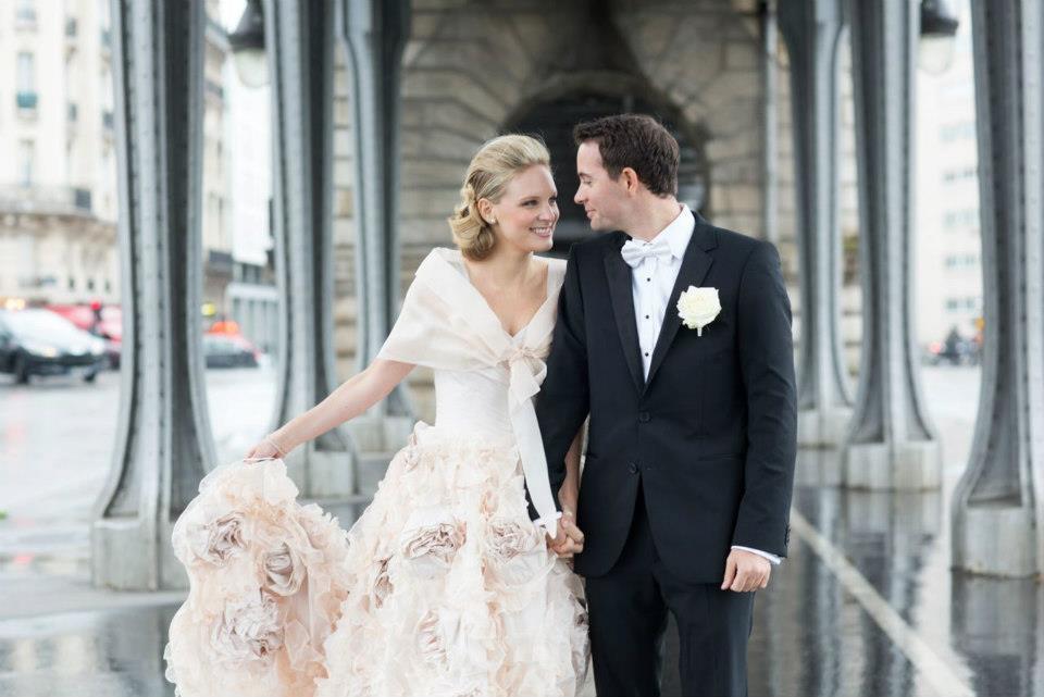 Elegant-bride-wears-barely-pink-wedding-dress.full