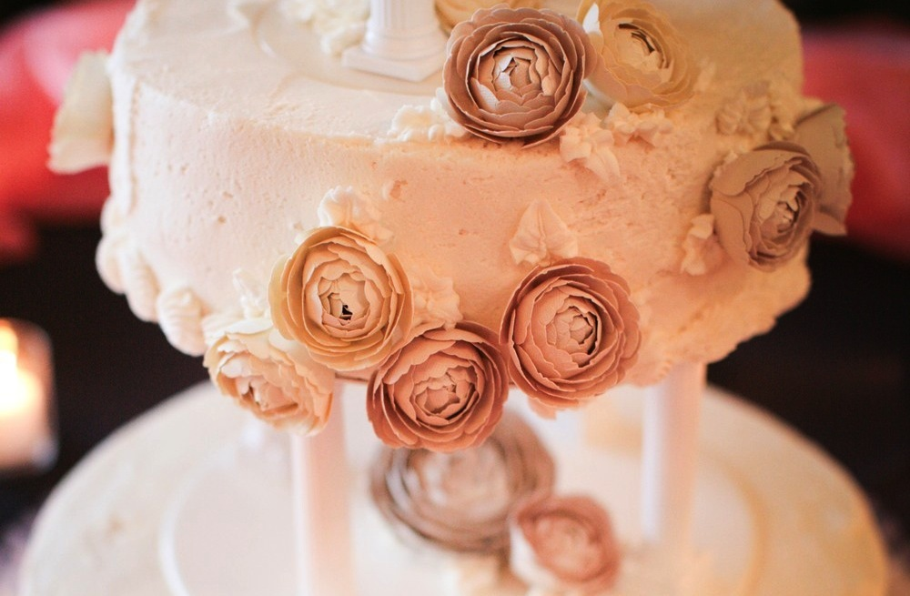 Paper Flowers to Adorn Wedding Cake