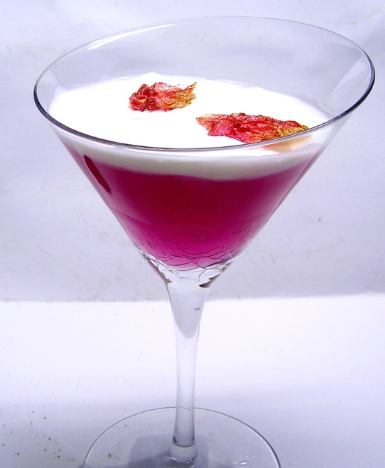 Valentines Day Ideas for Brides and Grooms Festive Cocktails 2