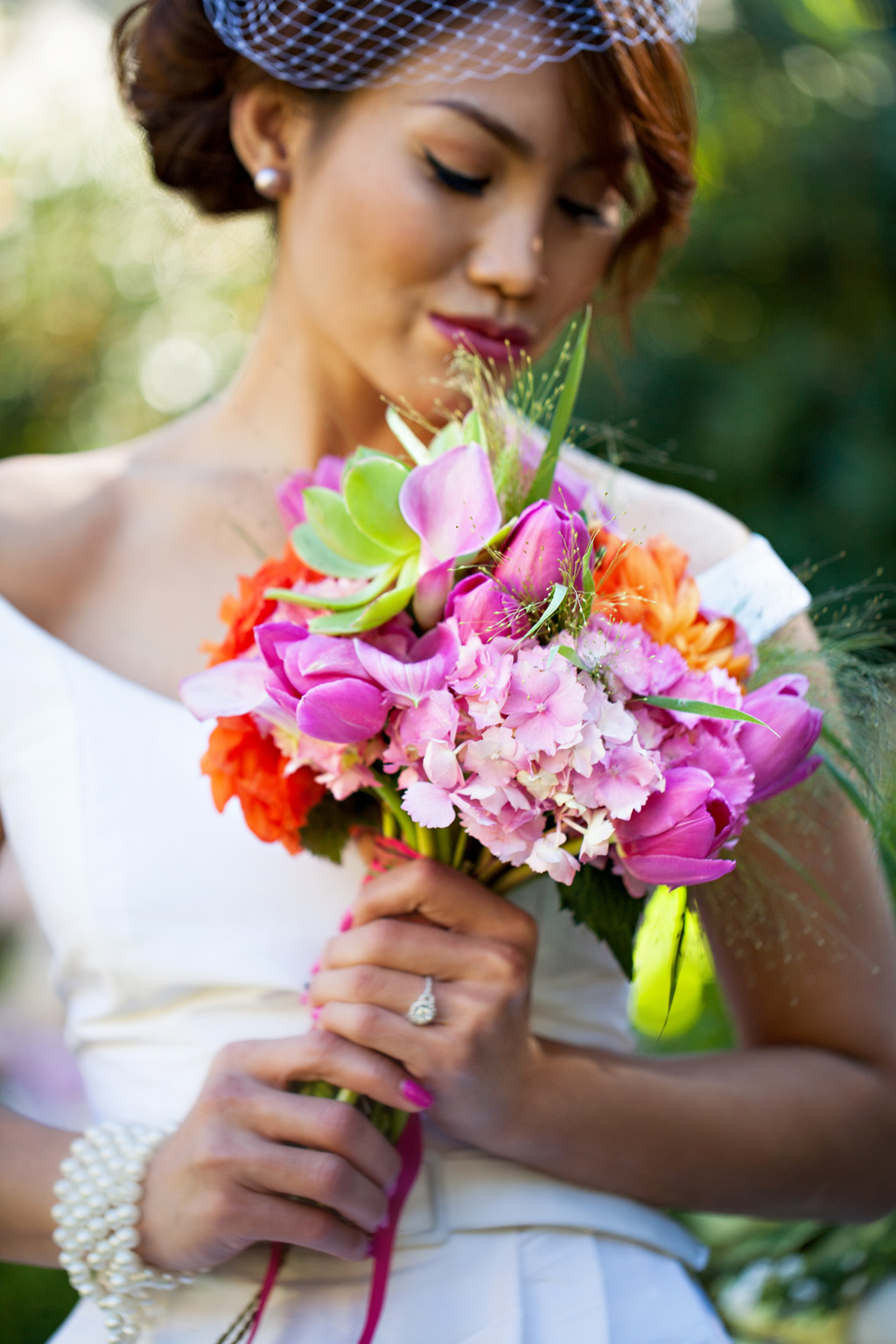 Tropical-bridal-bouquet-classic-bride.full