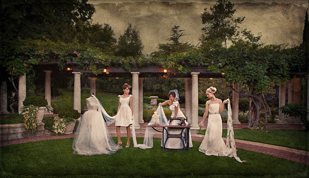 Outdoor-wedding-style-shoot-with-a-vintage-elegant-twist.full