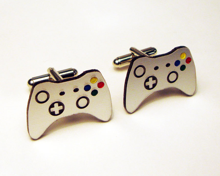 Awesome-wedding-cuff-links-for-gamer-grooms.full