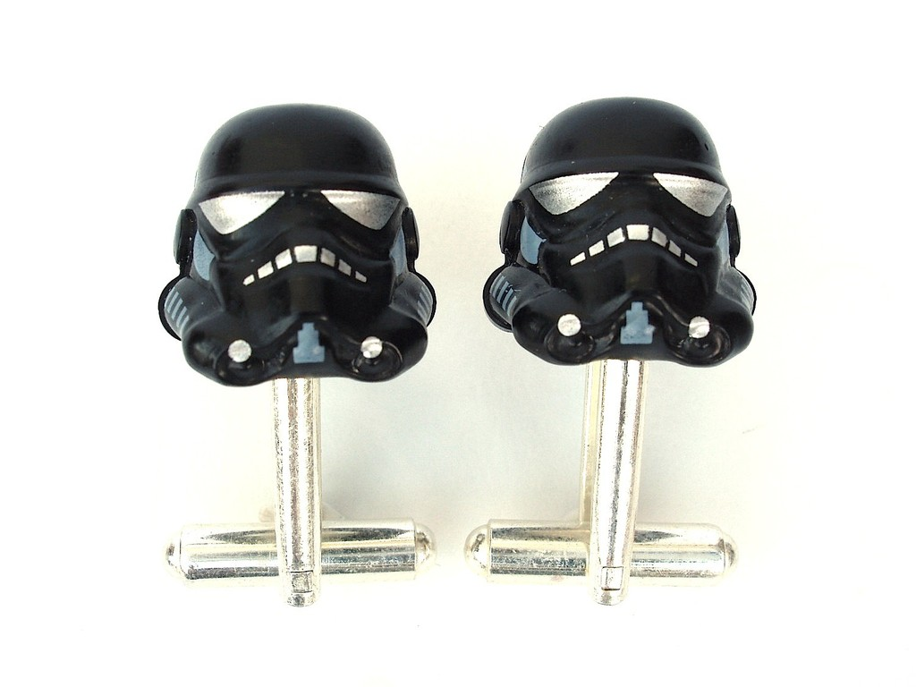 Darth-vader-groom-cuff-links.full