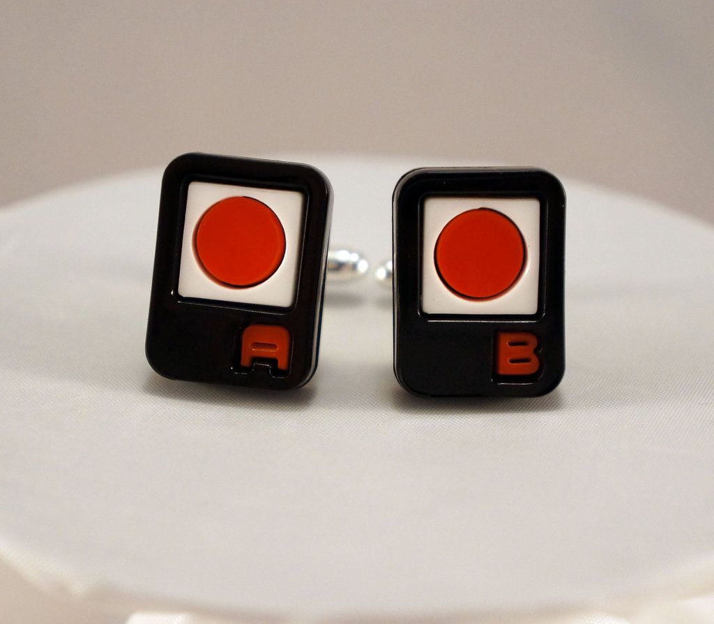Vintage-nintendo-grooms-cuff-links.full