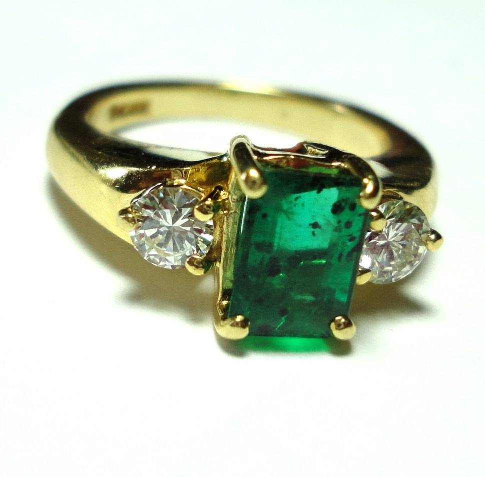 Antique Engagement Ring Emerald Stone