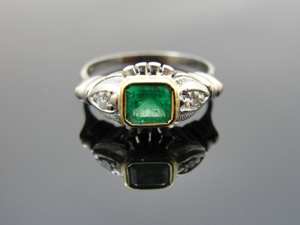 Art-deco-emerald-engagement-ring.full