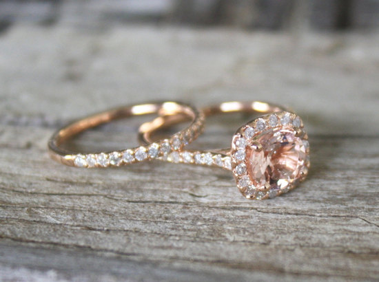 Morganite Engagement Ring for Romantic Brides