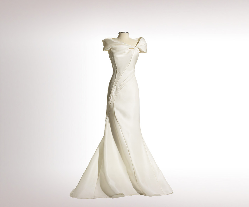 J.mendel-wedding-dress-2013-bridal-colomba.full