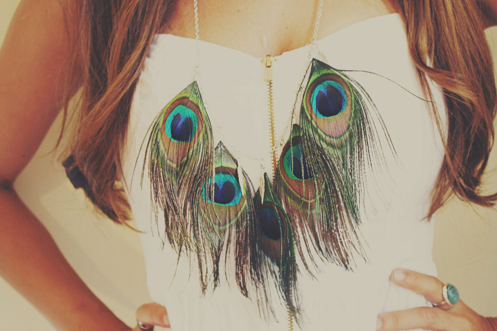 Tribal-inspired-statement-wedding-necklace-peacock-feathers.full