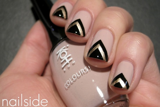 Black and Gold Chevron Painted Wedding Nails
