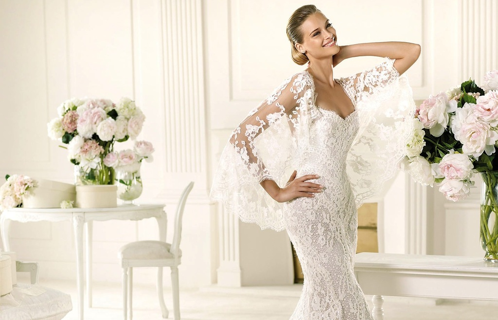 Lace-mermaid-wedding-dress-with-sheer-lace-cape.full