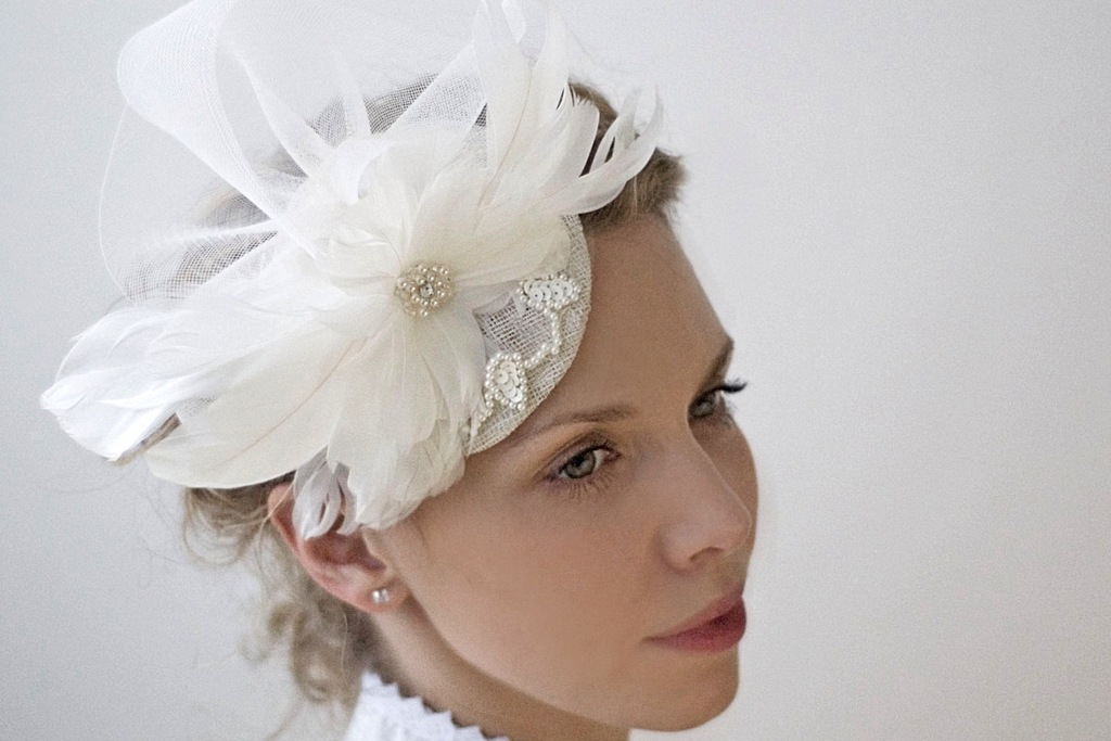 Feather-embellished-wedding-hat.full