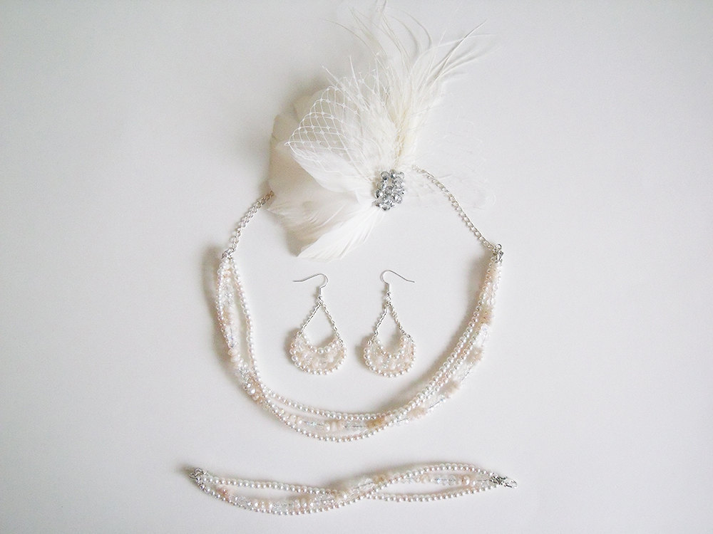 Bridal-jewelry-set-with-feather-fascinator.full