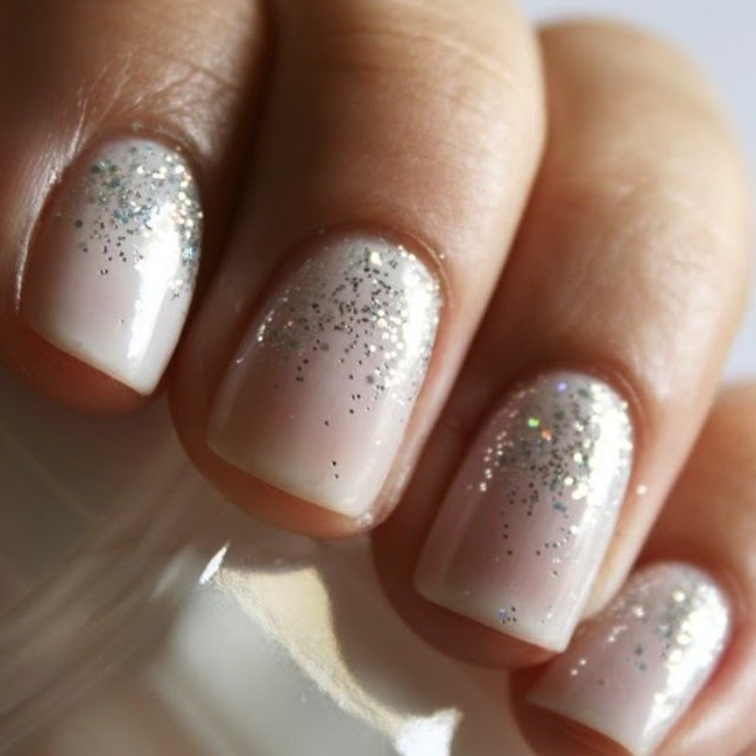 Cream-with-glitter-bridal-nails.full