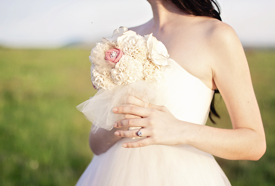 Handmade-alternative-wedding-bouquet-ivory-and-rose.full