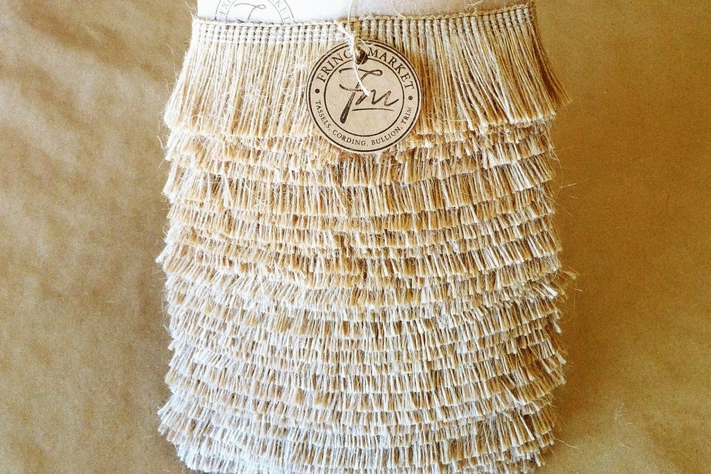 Natural-fringe-wedding-reception-decor-accent.full