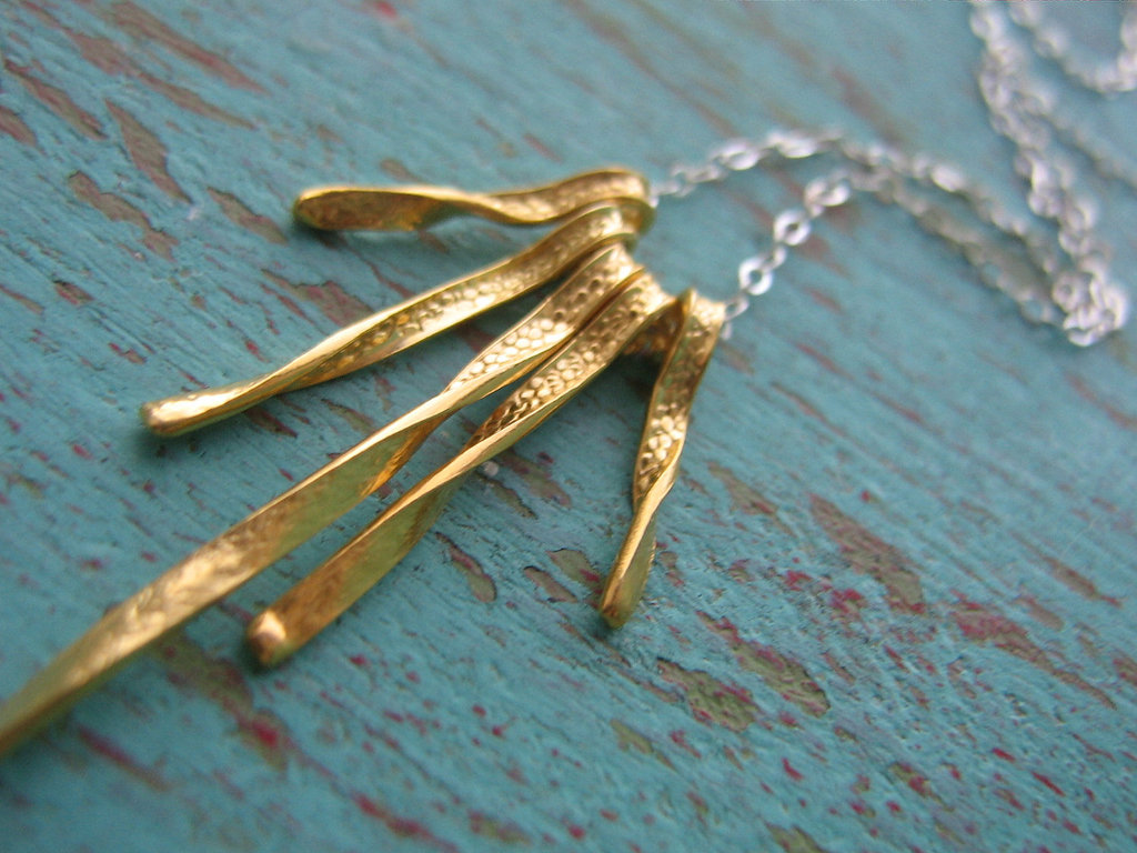 Gold-fringe-necklace-unique-wedding-jewelry.full