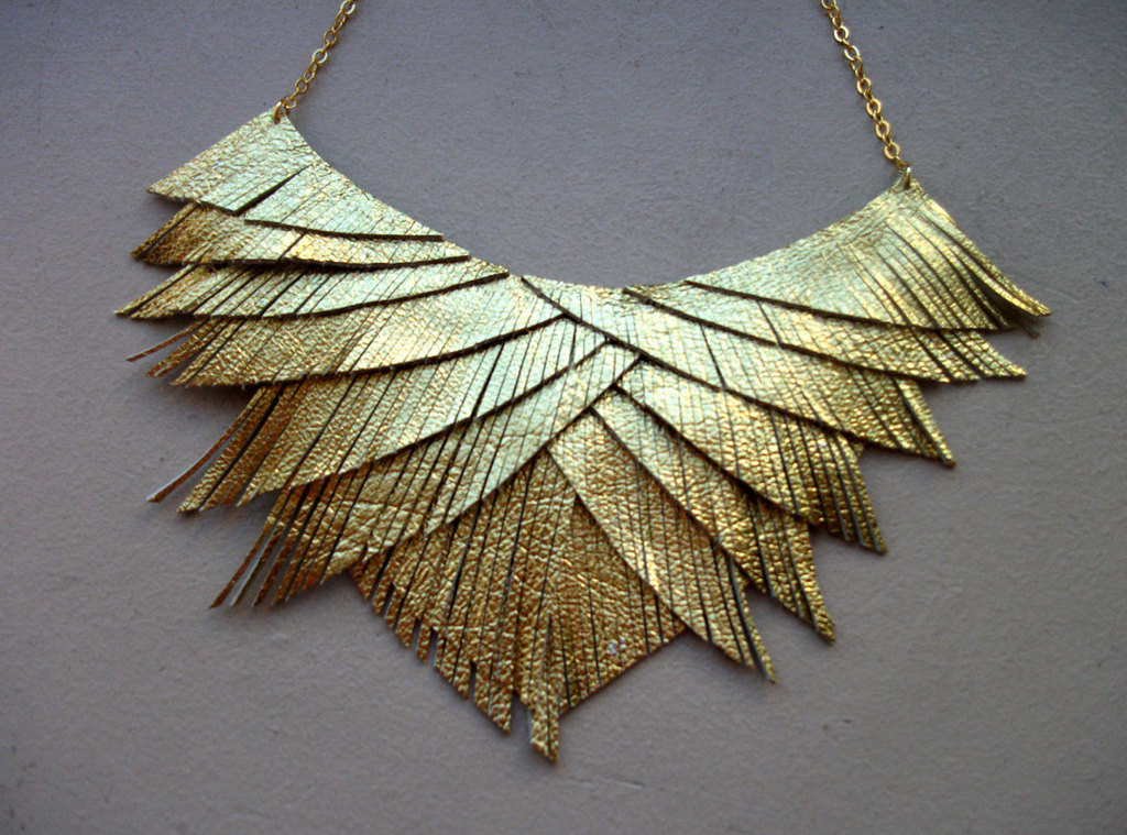 Fringe-gold-lame-wedding-necklace.full
