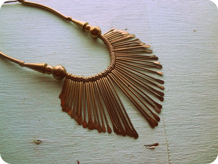 Brass-fringe-wedding-necklace.full