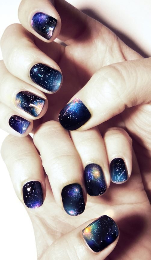 Manicure-nail-art-v-files-cosmos.full