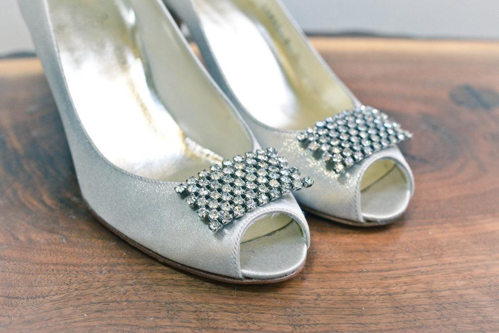 Vintage-beaded-wedding-shoe-clips.full