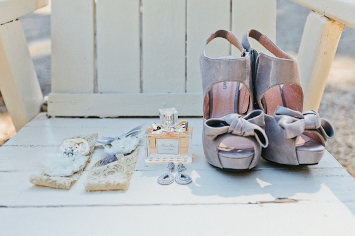Wedding-photography-details-gray-bridal-shoes-and-lacy-garter.full