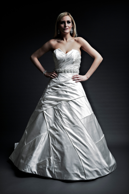 2013 wedding dresses designer Angel Rivera Victoria Collection amaris front