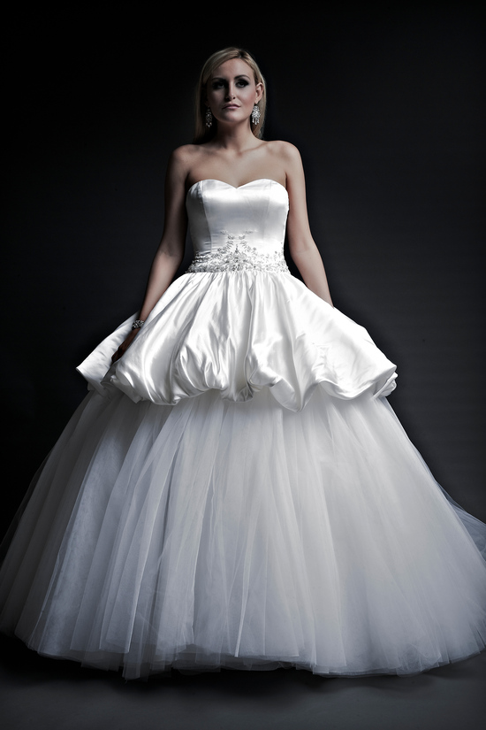 2013 wedding dresses designer Angel Rivera Victoria Collection astrid front